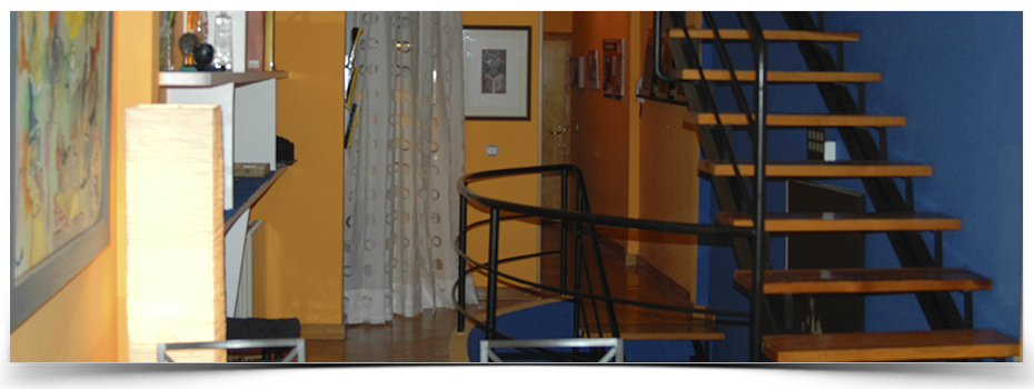 2-balcones-a-la-hoz-salon-interior-cuenca